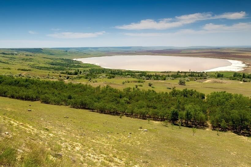 Вид с Куцай на озеро Солёное