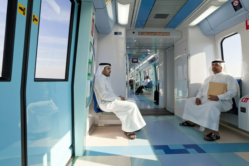 Как туристы могут опростоволоситься в метро в Дубае: 4 повода для штрафа