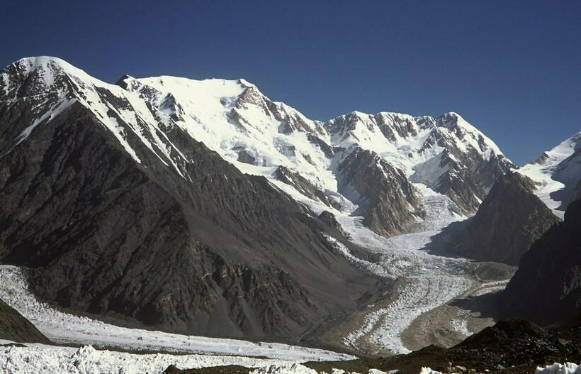 Высокие вершины горной страны