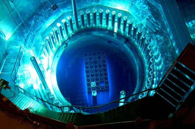 Ядерные реакторы во многом выглядят как футуристичные объекты на фотографиях