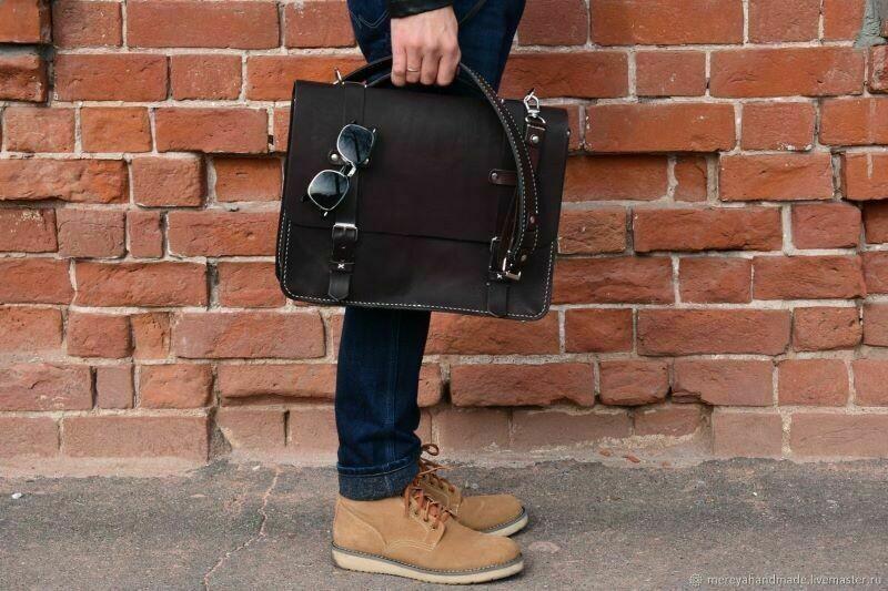 8 предметов одежды, которые не стоит носить за границей, чтобы не платить штраф