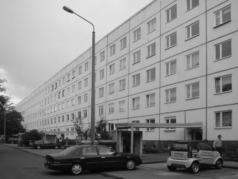 Веранды и новенькие виллы: 21 фото, как в Германии модернизируют хрущевки