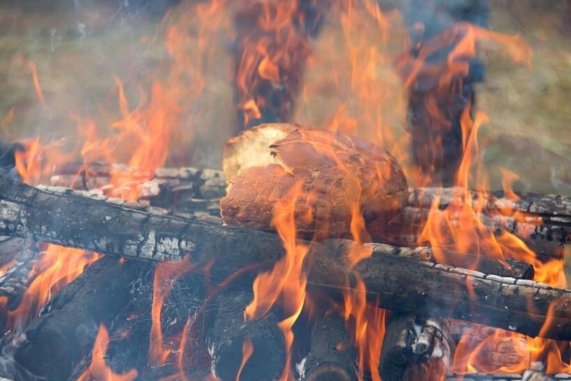 Сжигание хлеба проводится в рамках праздника