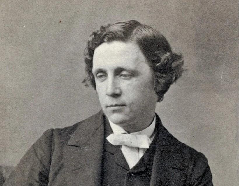 Писатель Льюис Кэрролл, посетив в 1867 году Россию, был в полном восторге от обычного обеда в трактире «Москва»