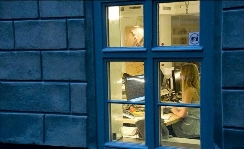 Зачем шведам нужны зеркала за окнами