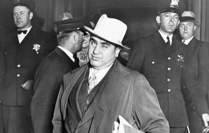 Одна из легенд называла особняк Футов временным пристанищем Аль Капоне. Якобы он появлялся в доме по ночам