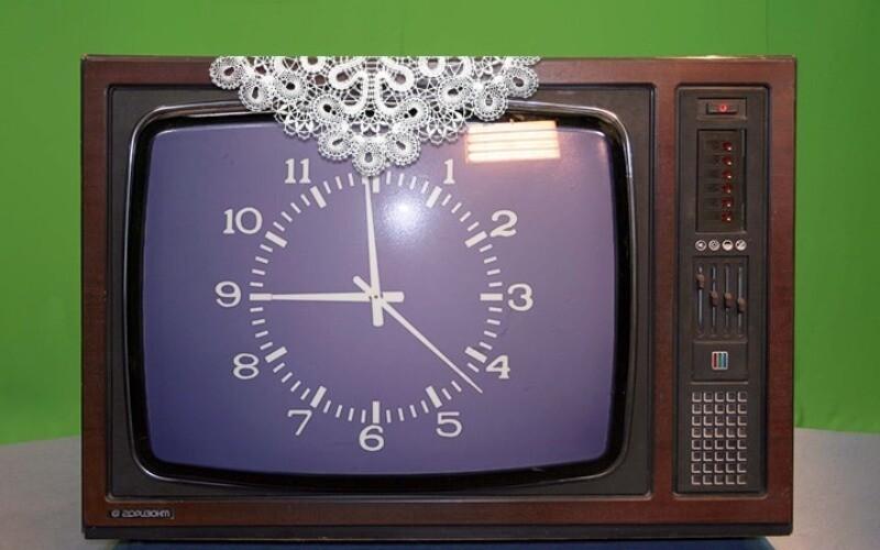 На телевизоре демонстрировали салфетки ручной работы