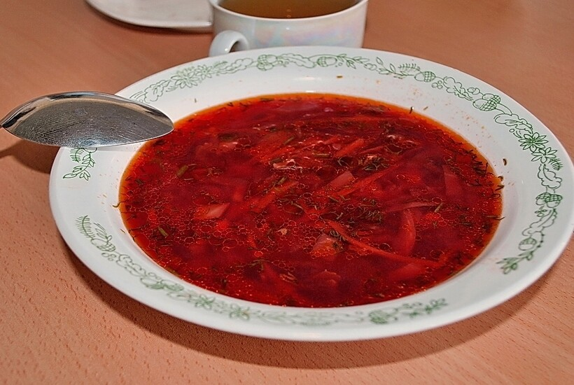 Чем кормили детей в школьных столовых СССР: 14 забытых вкусов