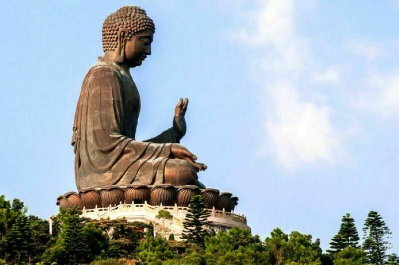 Почему устатуй Будды большие уши