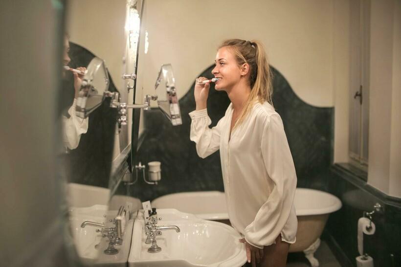 Некоторые считают, что в будущем у нас будут ороговевшие десны, а не зубы. Фото: Andrea Piacquadio/pexels.com