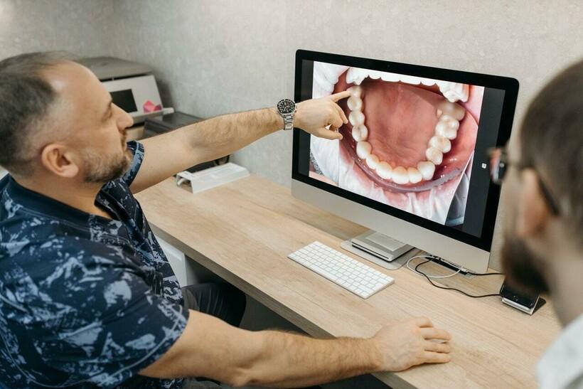 Но пока зубы удивительным образом сохраняются в нашем организме, несмотря на их хрупкость. Фото: Pavel Danilyuk/pexels.com