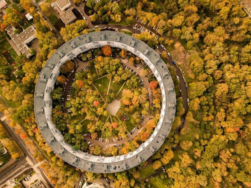 Дома-кольца стали смелым советским экспериментом. Фото: nat-geo.ru