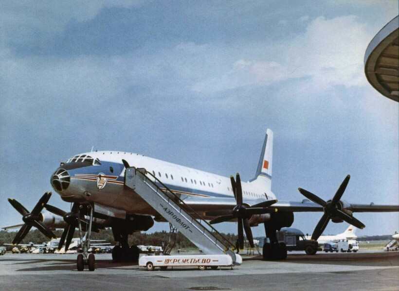 Как выглядел аэропорт Шереметьево в самом начале: 10 архивных кадров времен СССР