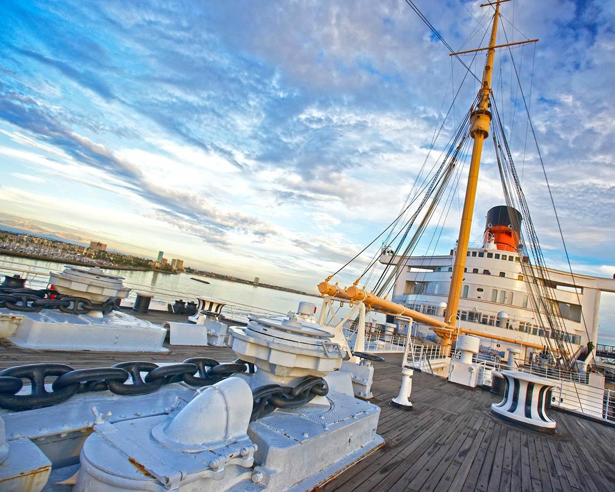Трансатлантический лайнер «Куин Мэри»