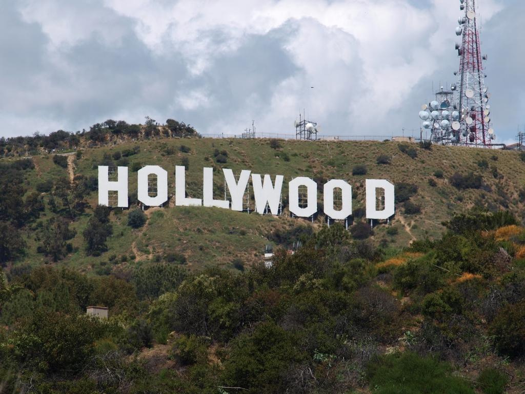 """Памятный знак """"Голливуд"""""""