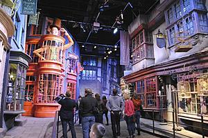 Студия Warner Brothers - Тур The Making of Harry Potter