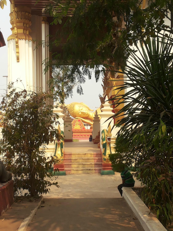 Великая ступа (Тхат-Луанг)
