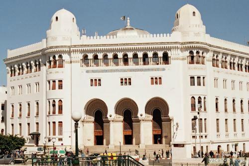 Здание почты Гранде Пост