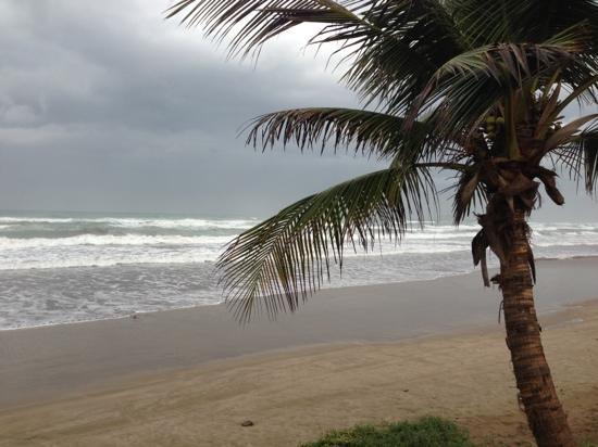 Пляж Qurum