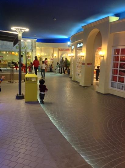 Торговый центр Dolmen Mall Clifton
