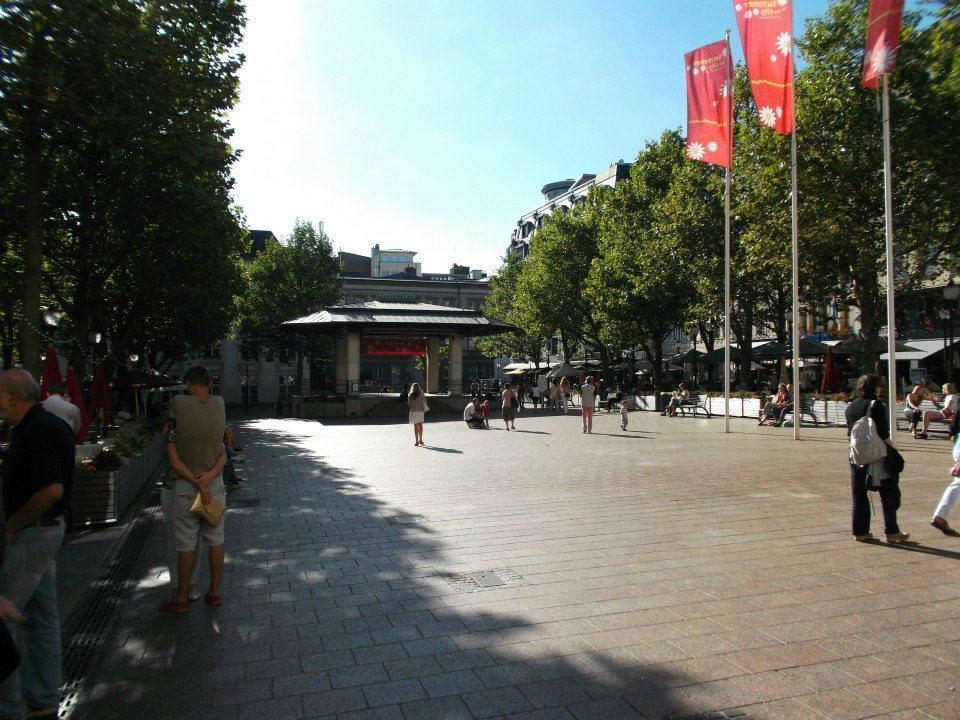 Площадь Place d`Armes