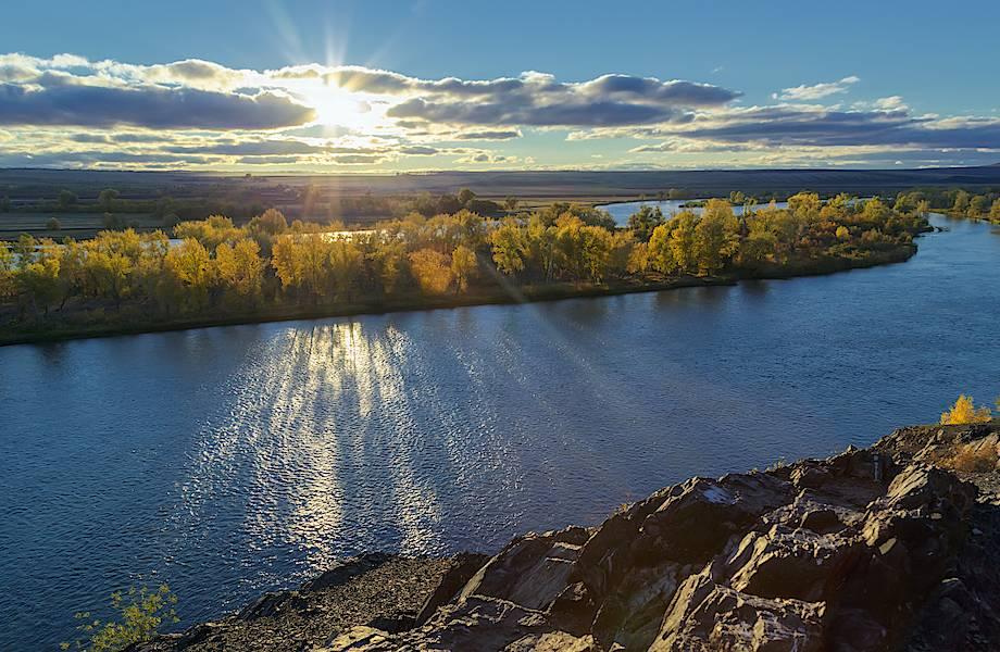 Россия, Китай и Казахстан: как трем странам поделить одну общую реку