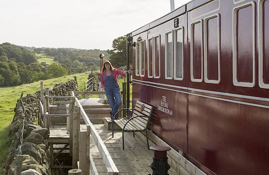 Британка открыла отель в вагоне, построенном собственными руками