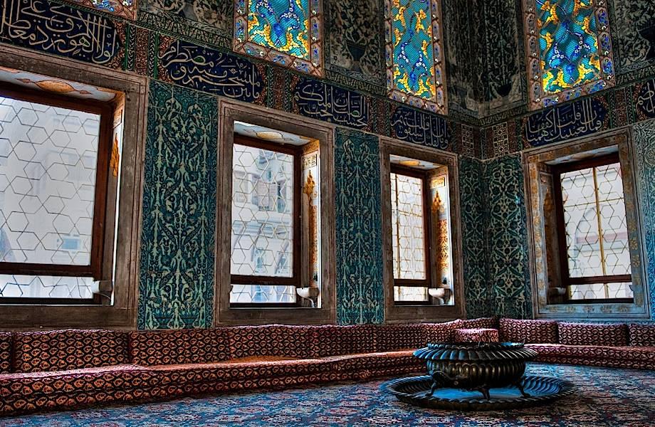 Почему многие османские принцы проводили всю свою жизнь в клетке