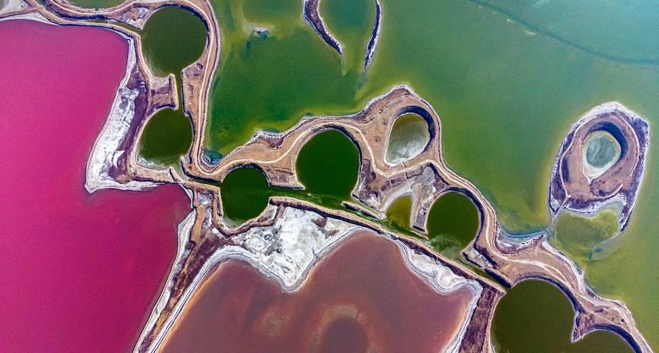 Фото дня: цветные озера Китая