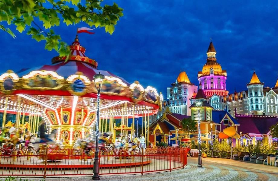 В Хоббитлэнде и на Кудыкиной горе: 6 мест в России, где можно отметить день рождения