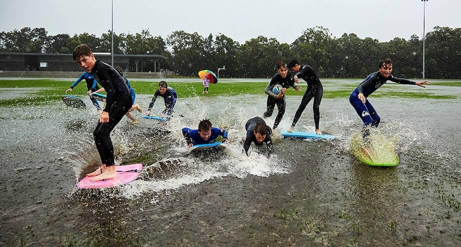Фото дня: серфинг прямо на стадионе Сиднея