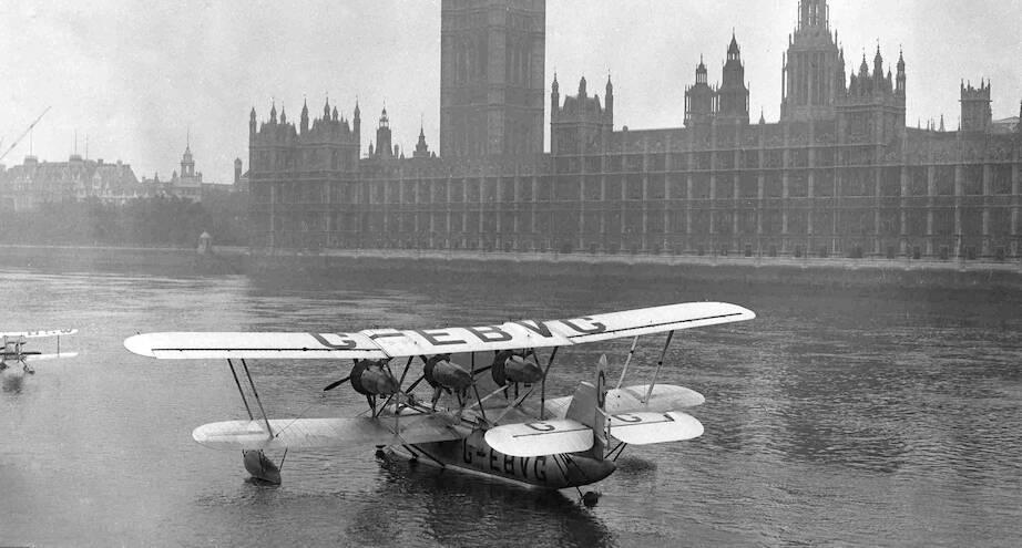 Фото дня: гидросамолет на Темзе в Лондоне, 1928 год