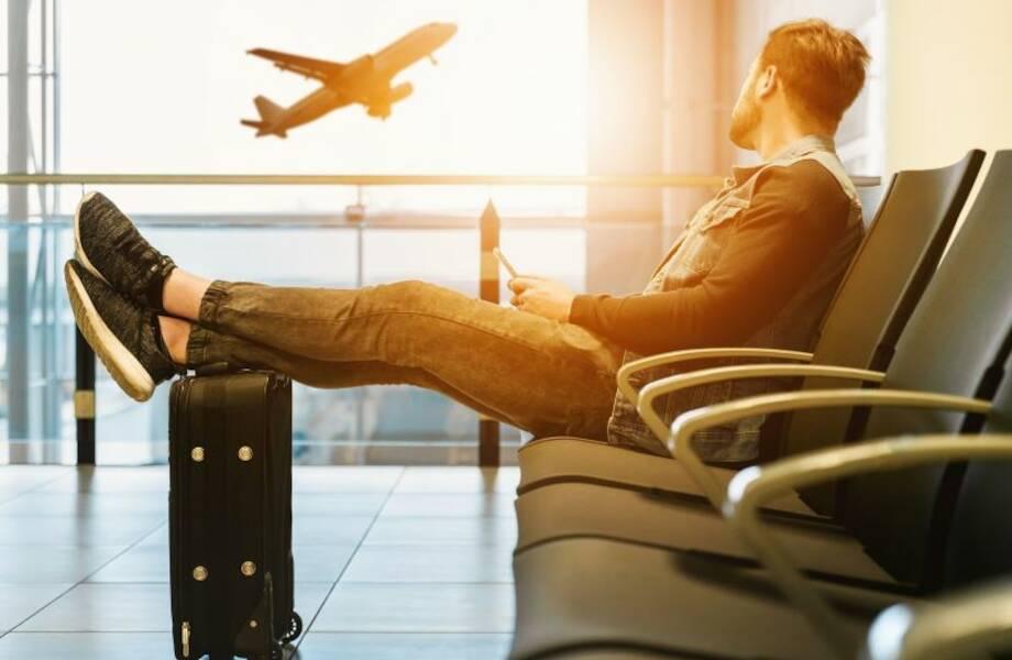 Как переночевать в аэропорту без проблем: топ главных советов и лайфхаков