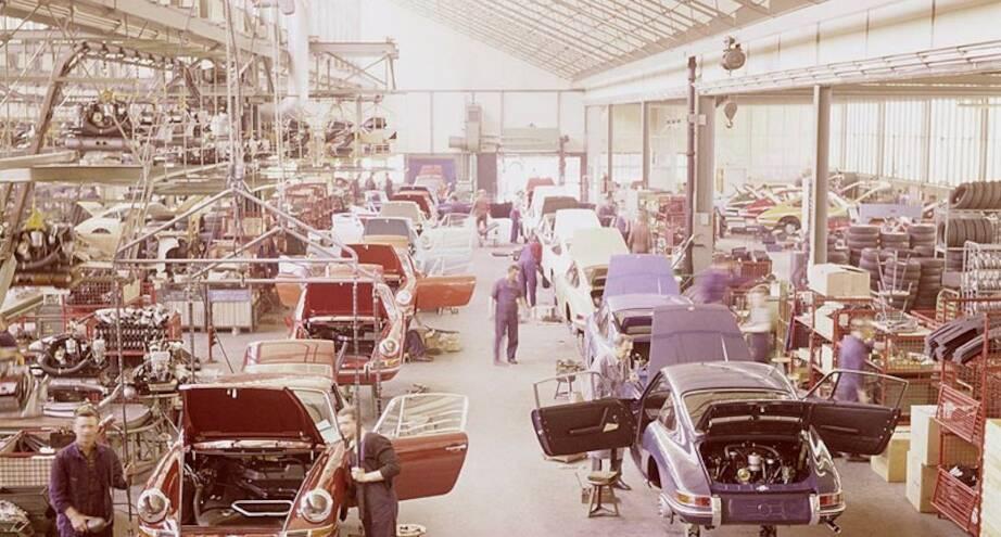 Фото дня: на заводе Porsche, 1970-е