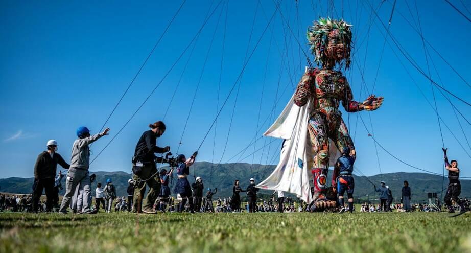 Фото дня: гигантская марионетка из Японии