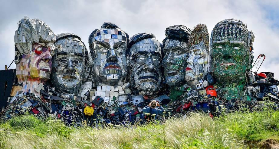 Фото дня: скульптура-пародия на гору Рашмор