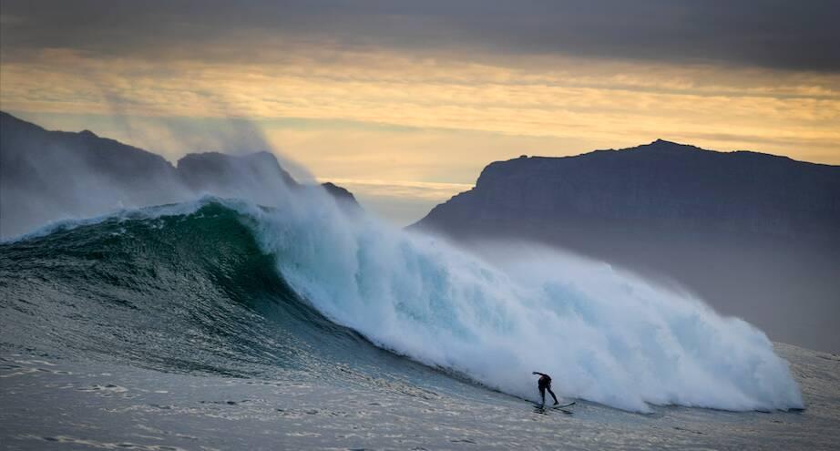 Фото дня: серфинг в Кейптауне