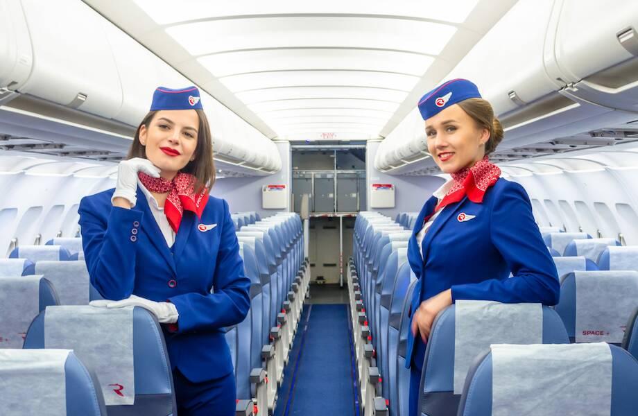 Зачем в самолетах пассажирам раздают леденцы