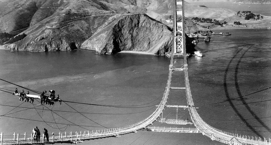 Фото дня: мост Золотые Ворота во время строительства
