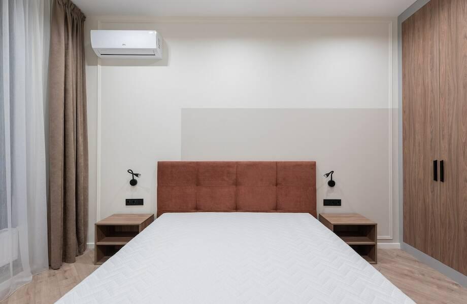Зачем в отелях режут матрасы